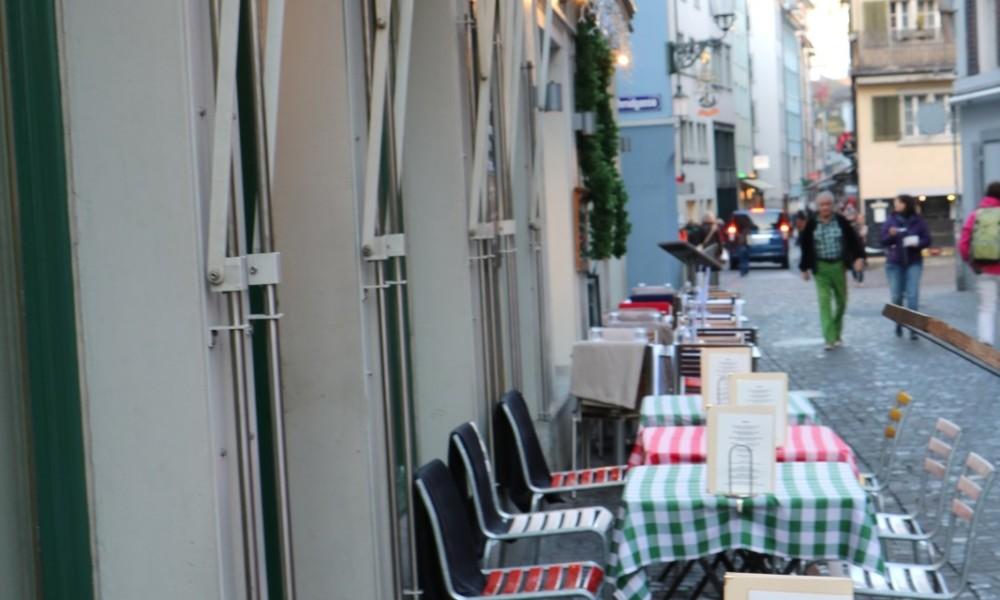 Schweizer Küche im Niederdörfli
