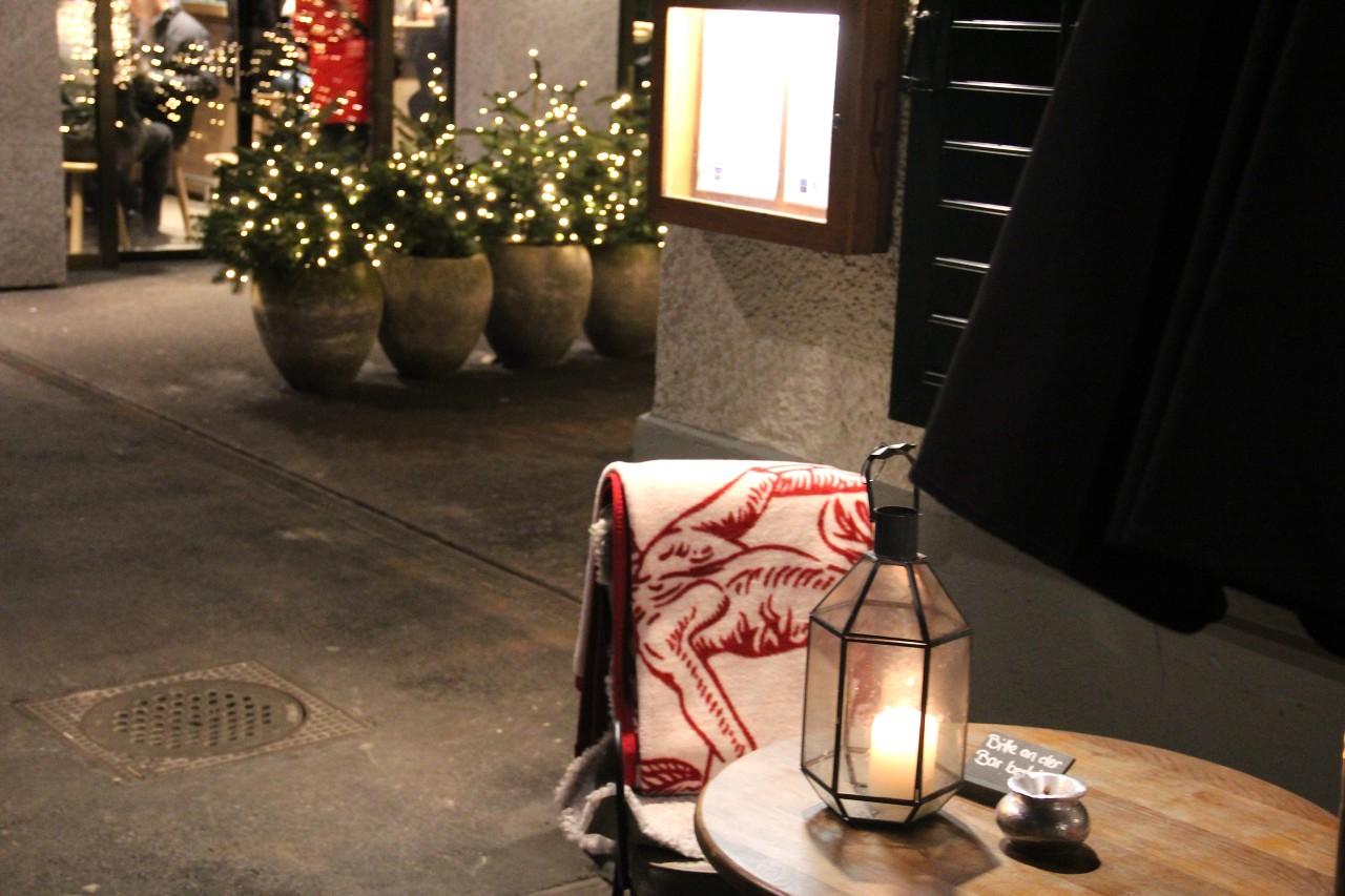 Kuschelig warme Decke im Rosaly's