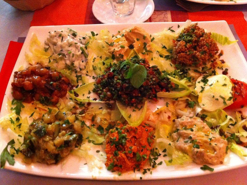 Feiner Salat im Yalla Habibi