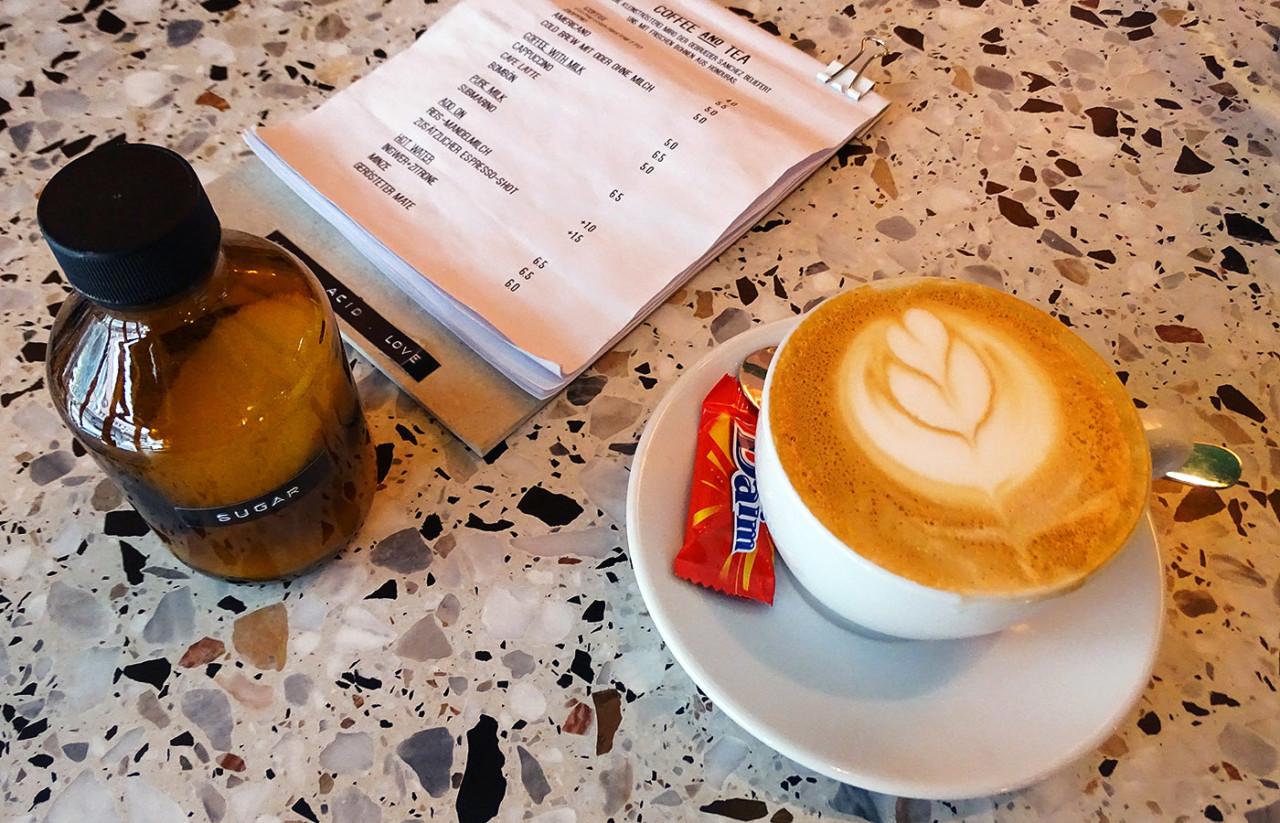 acid-bar_coffee_kaffee_von-oben_sar
