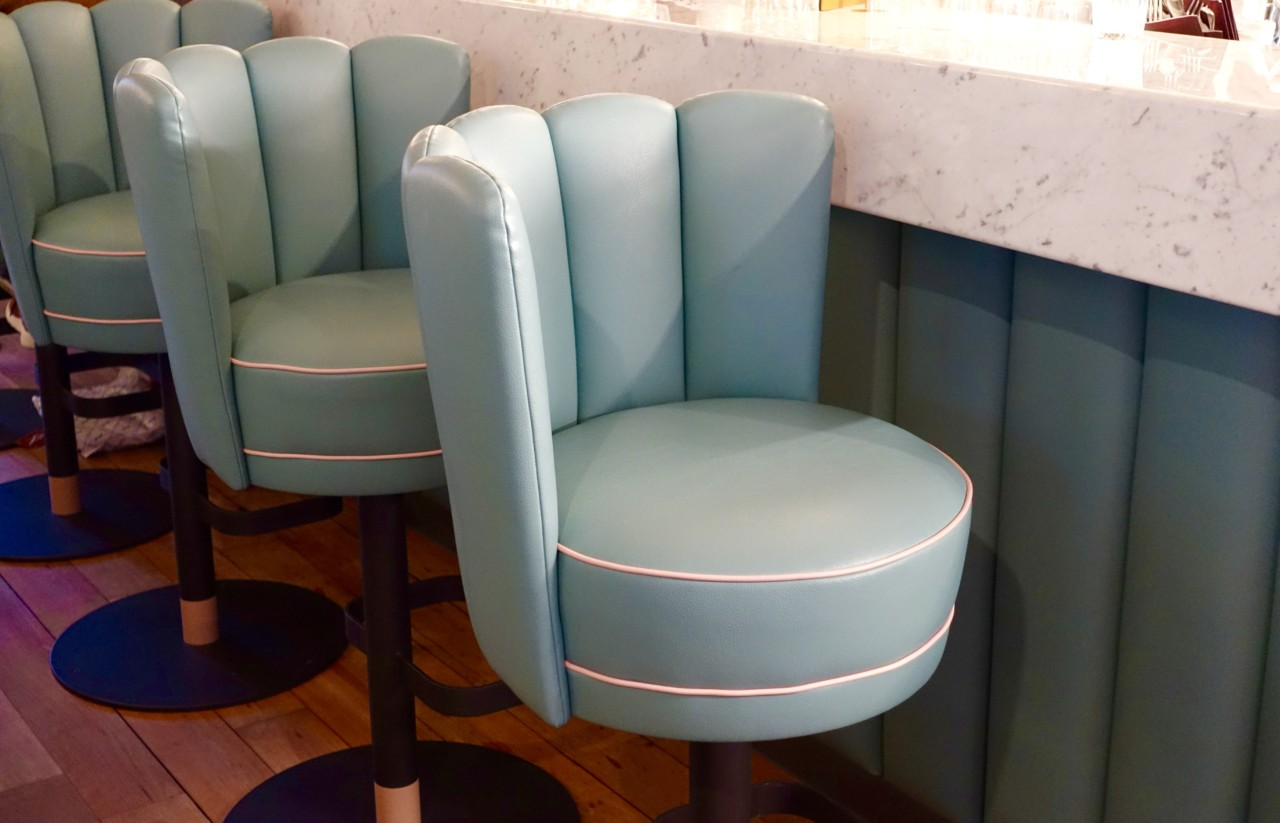 Foto Helvti Diner Bellevue Fancy Seats
