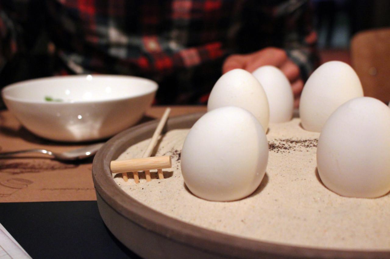 Der Zengarten mit den Onsen-Eiern