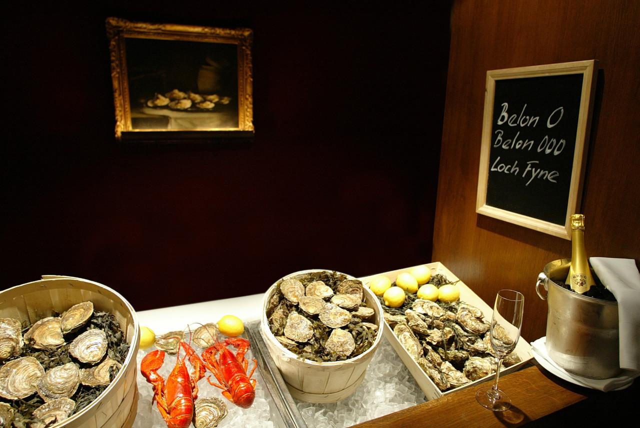 Ah oui! Austern und Hummer gibt es hier en masse. Foto: Hummer-& Austerbar/ St. Gotthard