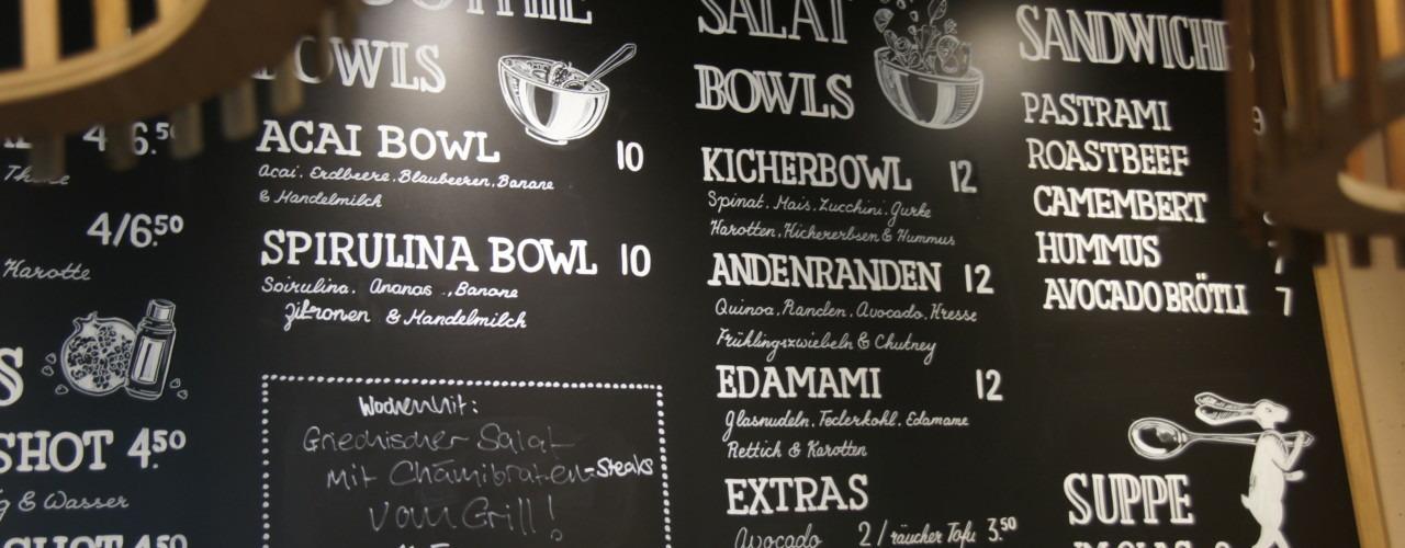 Gesunde Salate, Sandwiches und Säfte en masse. Foto: Lunchgate/Max