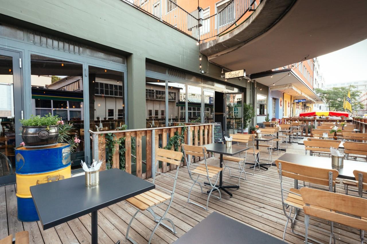 Die Terrasse des Restaurant Brisket. Foto: Brisket