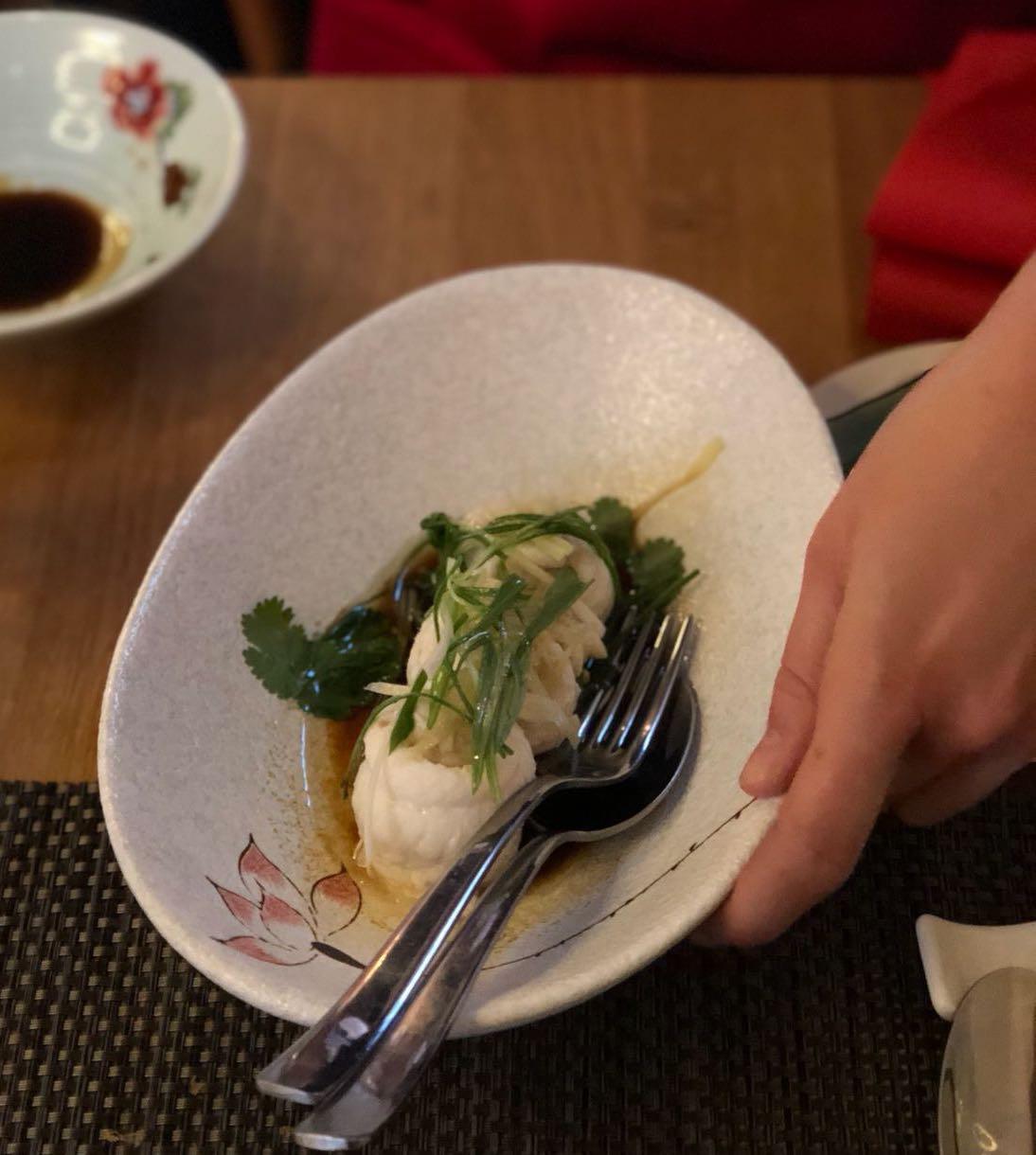 Den Fisch gleich essen - oder mit der Sauce noch etwas anziehen lassen. Foto: Lunchgate/Manu