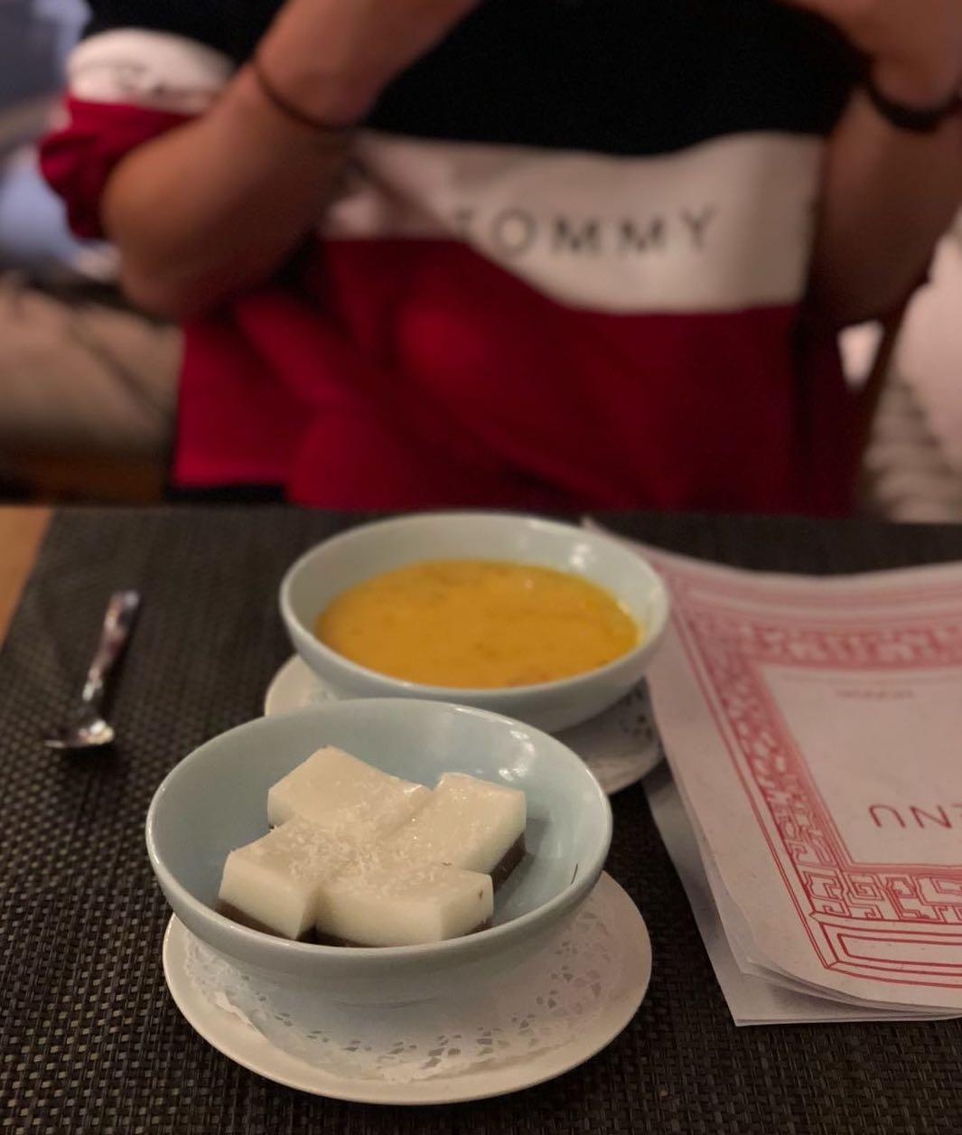 Es muss nicht immer Kuchen sein: Kokosnuss-Pudding mit roten Bohnen und Mango-Grapefruit-Kaltschale sind eine willkommene Abwechslung. Foto: Lunchgate/Manu