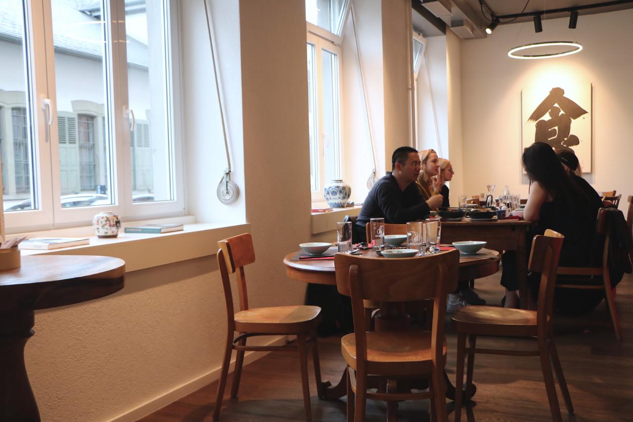 Früh am Abend ist es noch ruhig - aber ab 19 Uhr brummt das Hongxi. Bild: Lunchgate/Simone