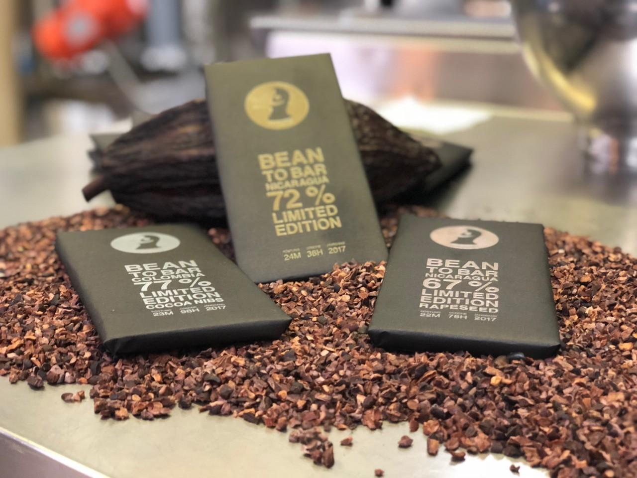 So sieht die neue Bean to Bar-Kollektion aus, die Du in der Manufaktur degustieren kannst. Foto: FOOD ZURICH