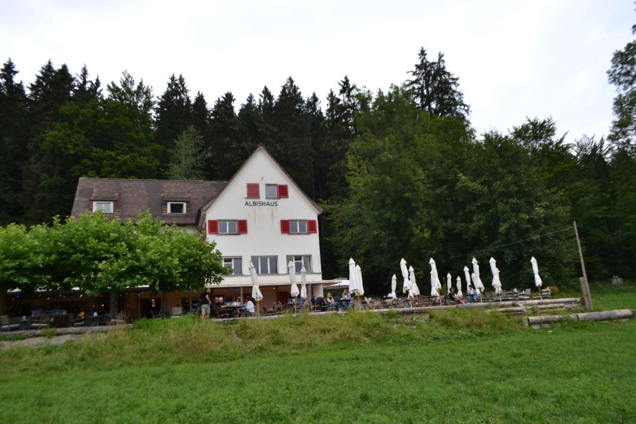 Das Albishaus besticht mit seiner Lage wie auch mit seinen inneren (Küchen-)Werten! Foto: Lunchgate/Max