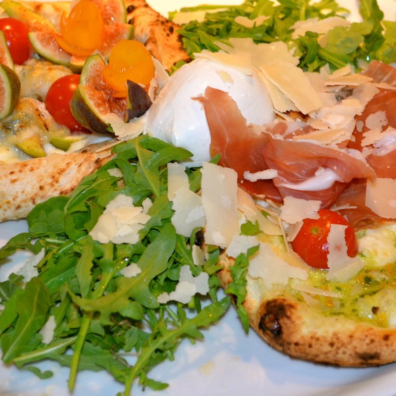 Pizza im Napulé
