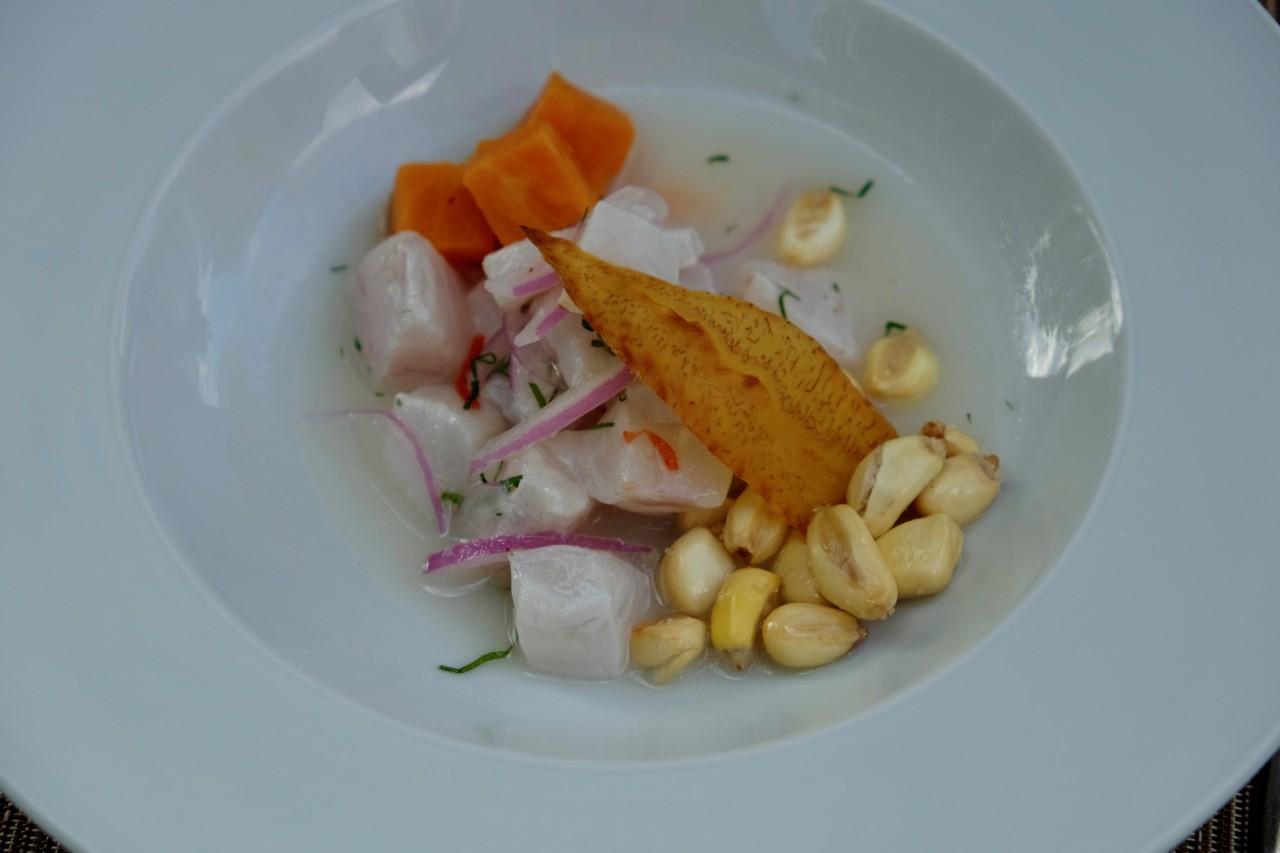 Der spezielle Mais auf dem Ceviche erinnert an die Busfahrten in Peru. Foto: Lunchgate/Anna