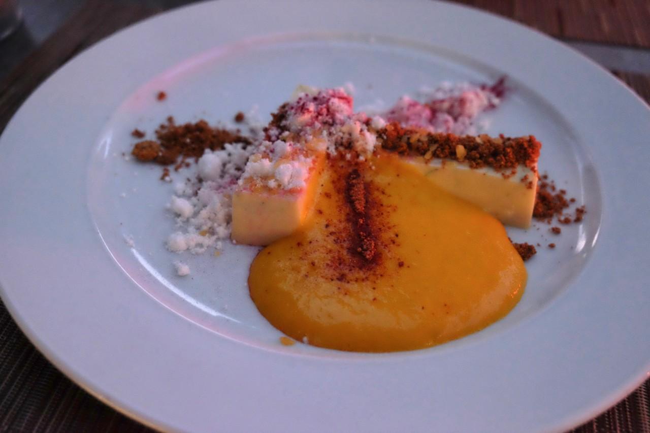 Der Dessert überrascht mit einer Vielfalt an Texturen und Geschmäckern. Foto: Lunchgate/Anna