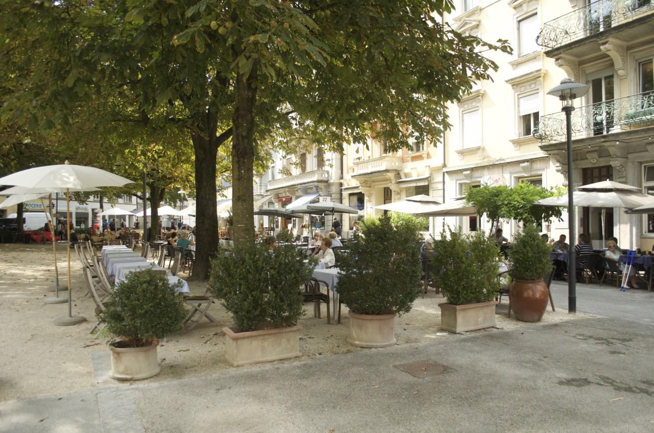 «Helvetiagärtli» und Terrasse vom Restaurant Helvetia