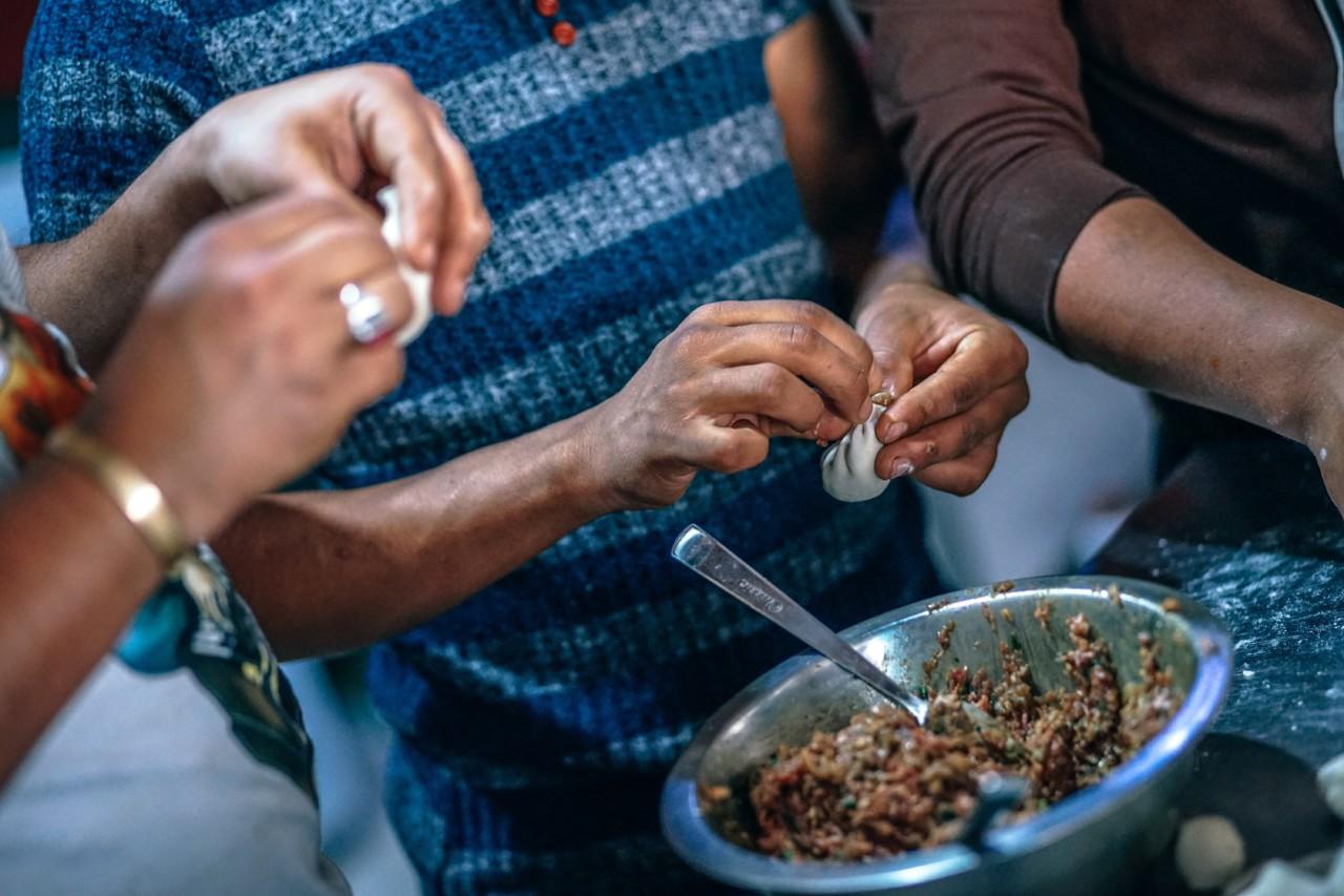 Asiatischer Appetiser: Dumplings sind bei allen beliebt, benötigen jedoch ein gewisses Fingergefühl.