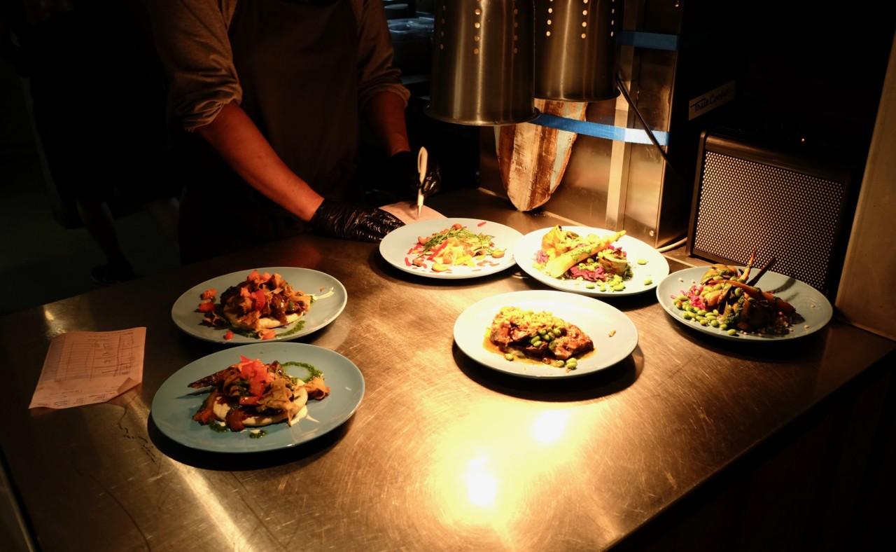 Viele schöne Speisen aus der Mini-Küche. Foto: Max/Lunchgate