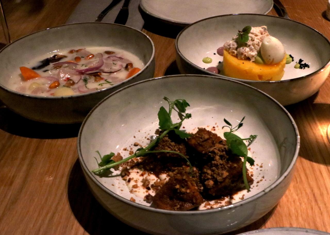 Locker ein neues Lieblingsgericht: Aubergine und geräuchertes Sojayoghurt. Foto: Lunchgate/Simone