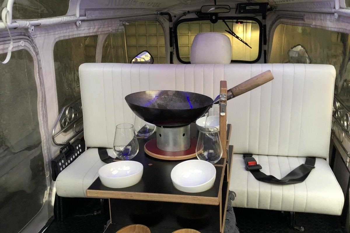 Praktisch eingerichtetes TukTuk. Foto: Lunchgate/David