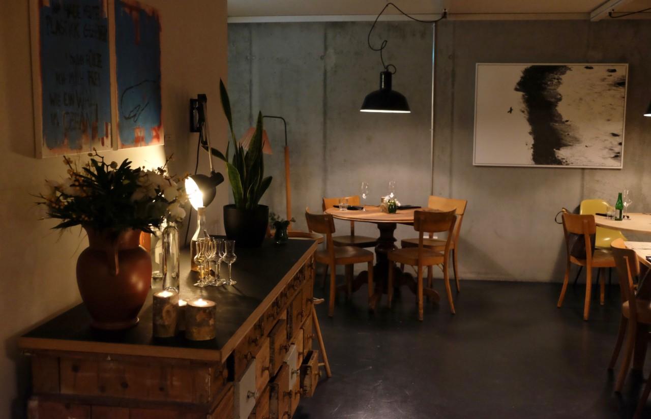 Das heimelige Interieur im modernen Industrial Chic Style. Foto: Lunchgate/Anna