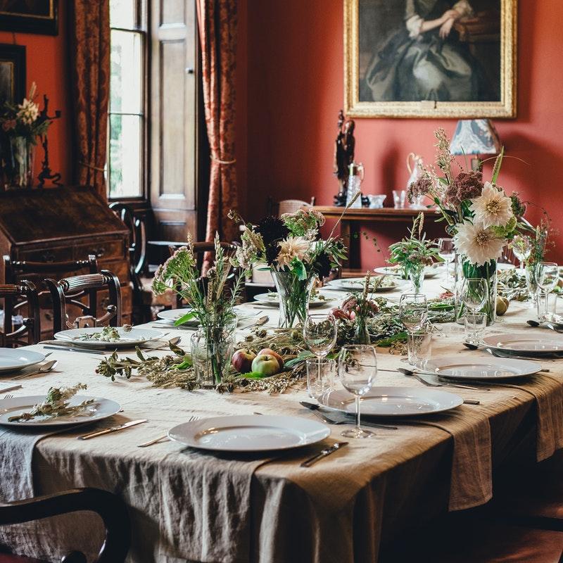 Hinsetzen und zuhören: The Splendid Table ist aufregend wie ein gutes Tischgespräch. Foto: unsplash