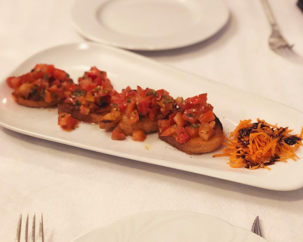 """Bruschette – ein """"Arme-Leute-Essen"""" reich an Geschmack. Foto: Lunchgate/Lisa"""