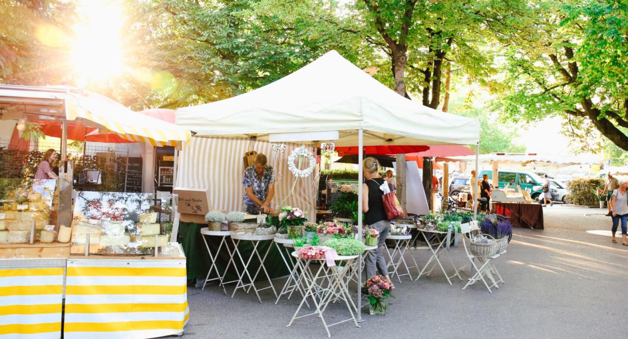 Ein typischer Markt-Morgen auf dem Bürkliplatz.
