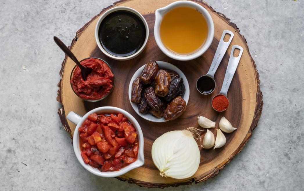 Geheimzutat Dattel: Die etwas bessere BBQ-Sauce! Foto: sweetsimplevegan.com