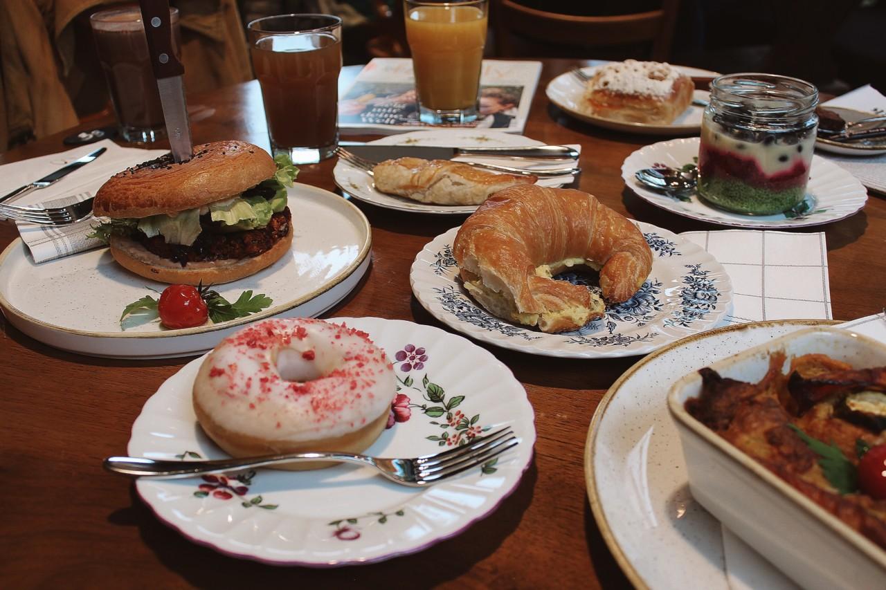 Dass alle Speisen vegan sind, ist weder optisch, noch geschmacklich bemerkbar! Foto: Lunchgate/Selina