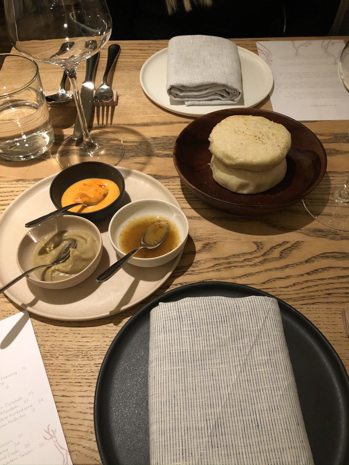 Warmes Kissenbrot mit seinen Saucen. Foto: Lunchgate/David