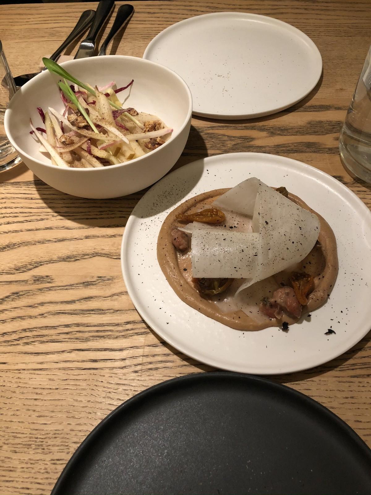 Chicorée mit Birnen und Borlottibohnen mit Rettich. Foto: Lunchgate/David