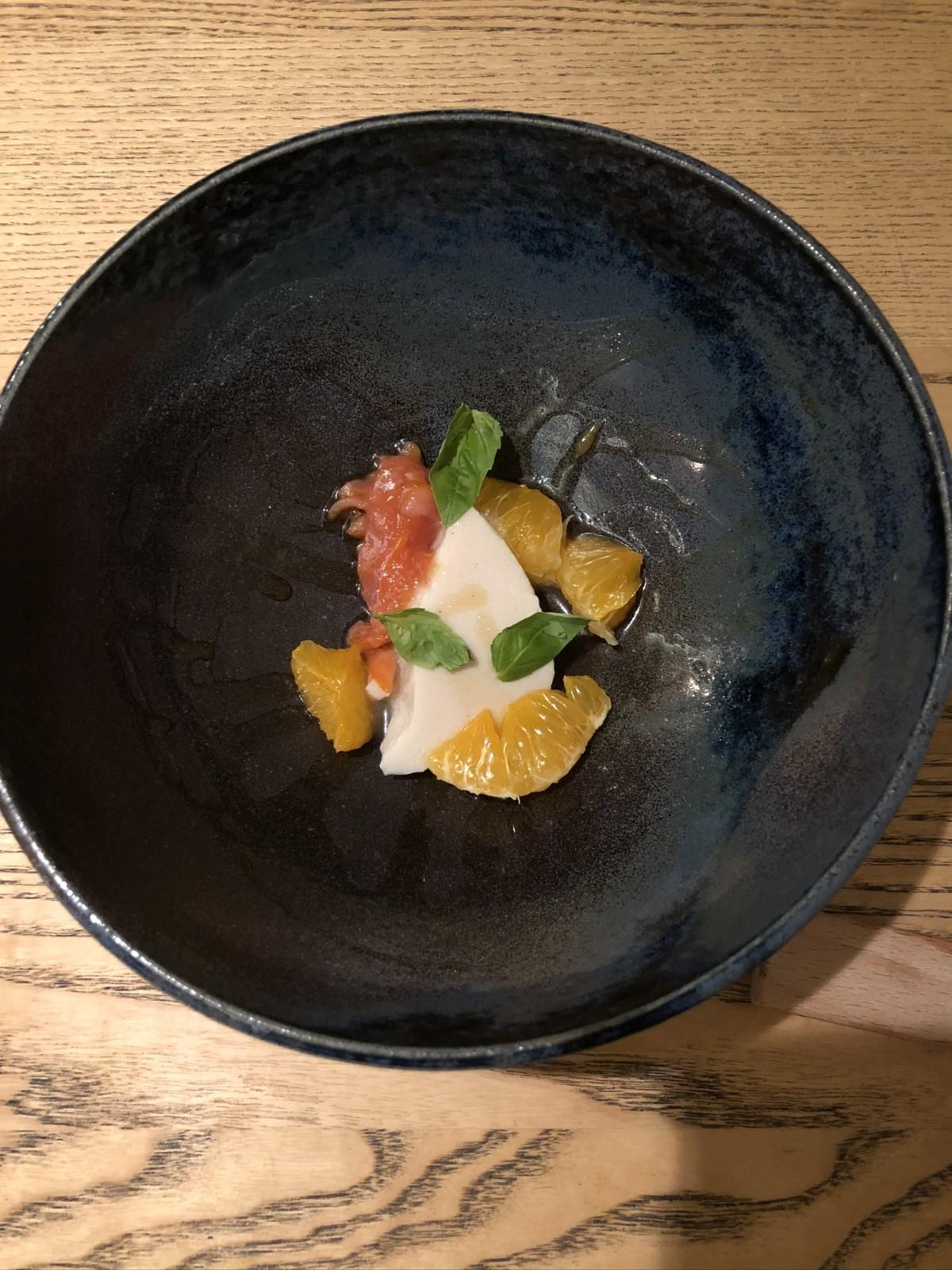 Vanilleflan mit Blutorangen und Klementinen. Foto: Lunchgate/David