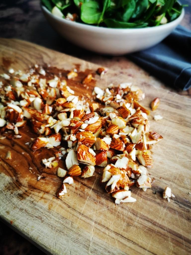spinatsalat-mit-mandel-crunch-foodblog-zuerich-schweiz-lunchgate4