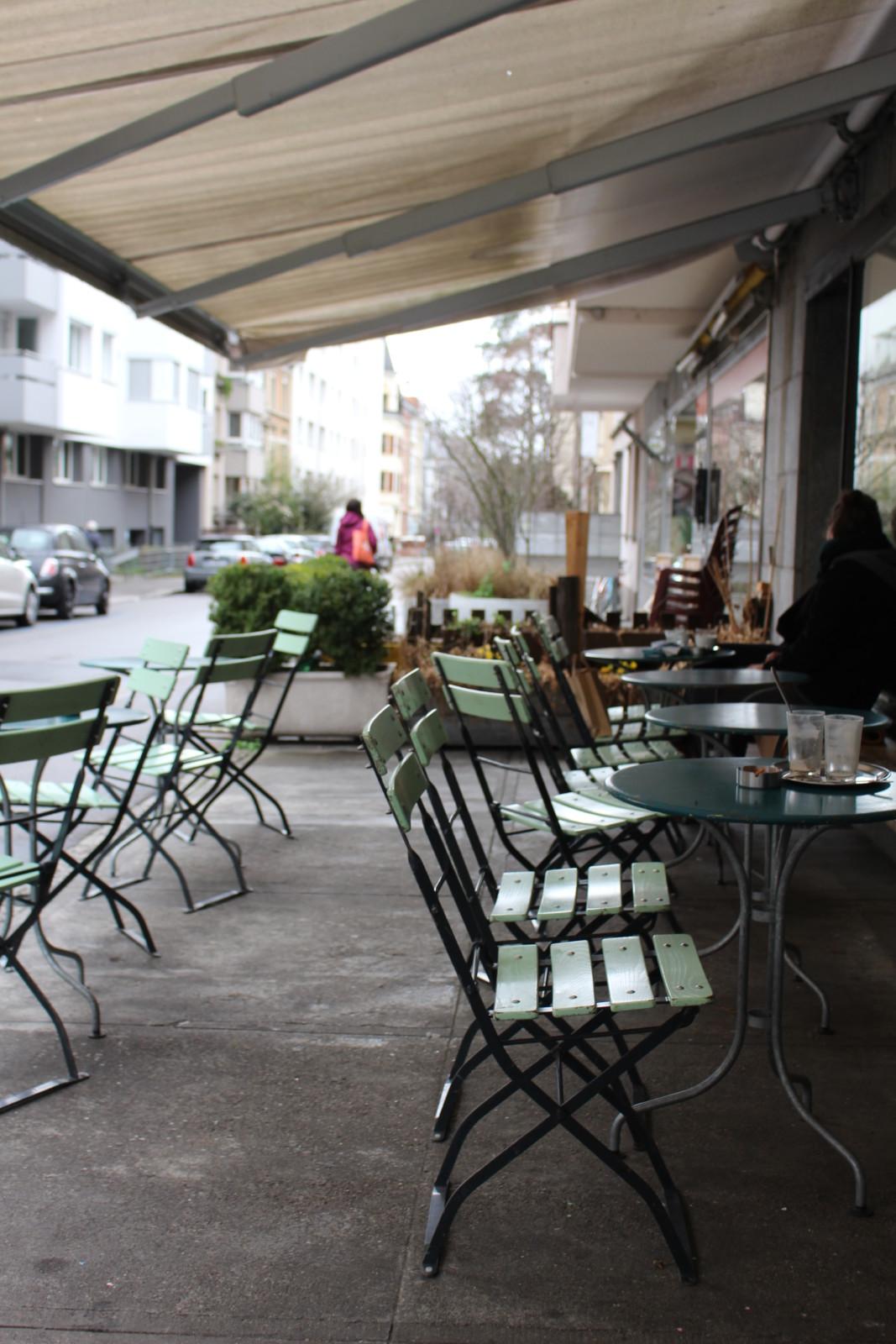 Hier geniesst man den Kaffee gerne draussen - auch bei schlechtem Wetter. Foto: Lunchgate / Sydney Karolewski