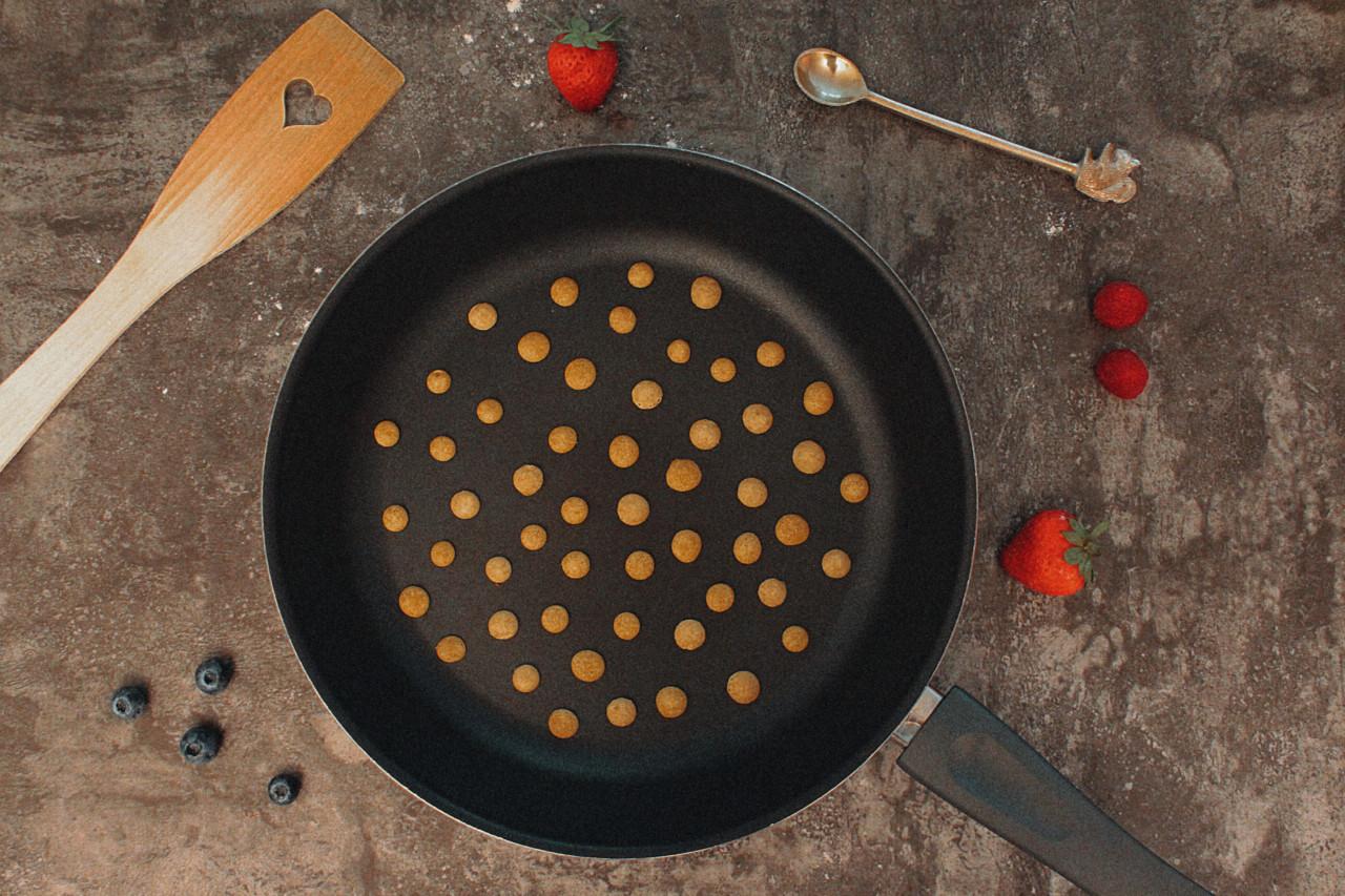 Nein, der Teig hat keine Masern! Hier entstehen die leckeren Pancake Cereals. Foto: Lunchgate/Selina