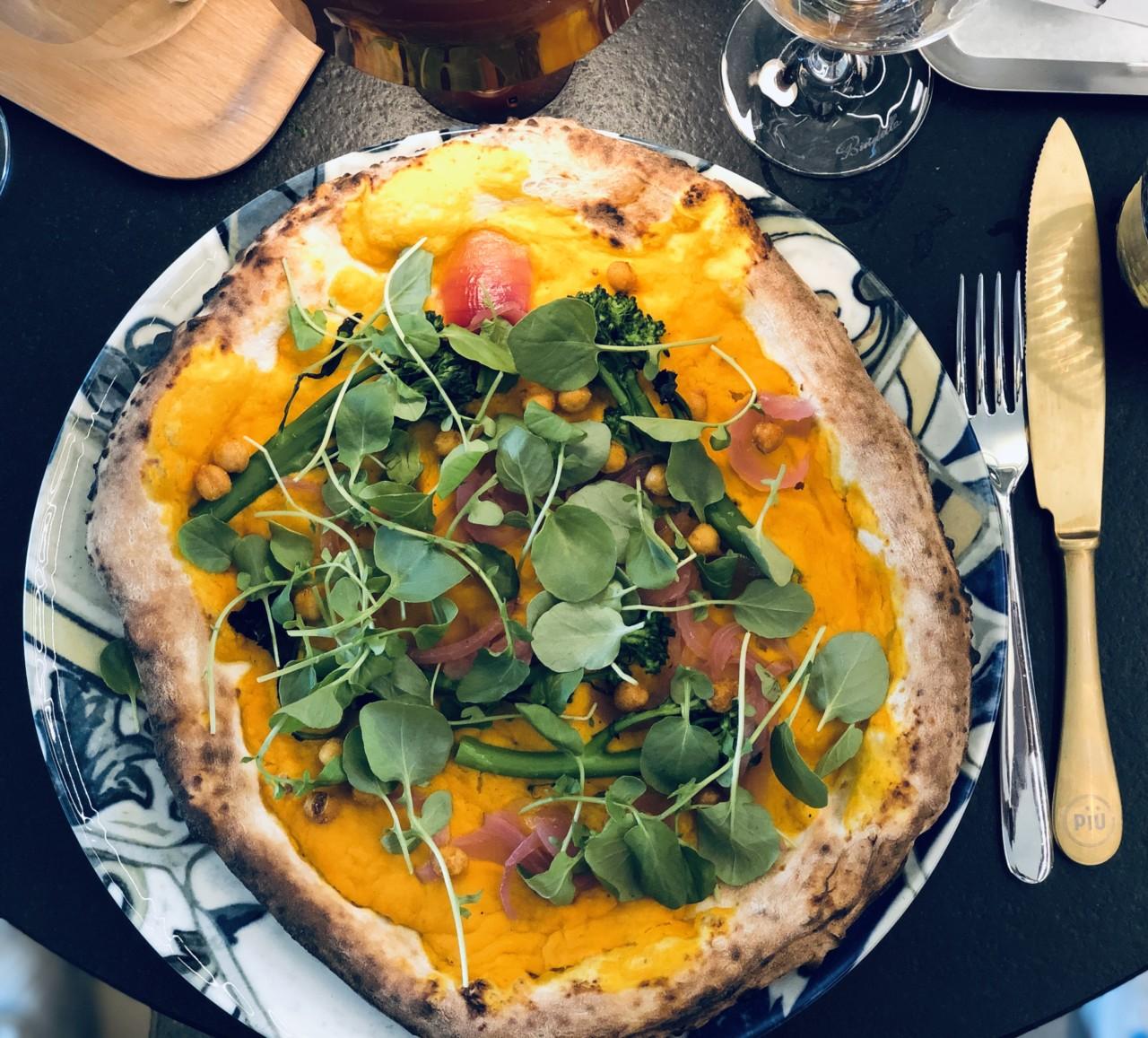 """Überraschungsfeuerwerk beim Biss in die Pizza """"vegan style""""! - Foto: Lunchgate/Daniel"""