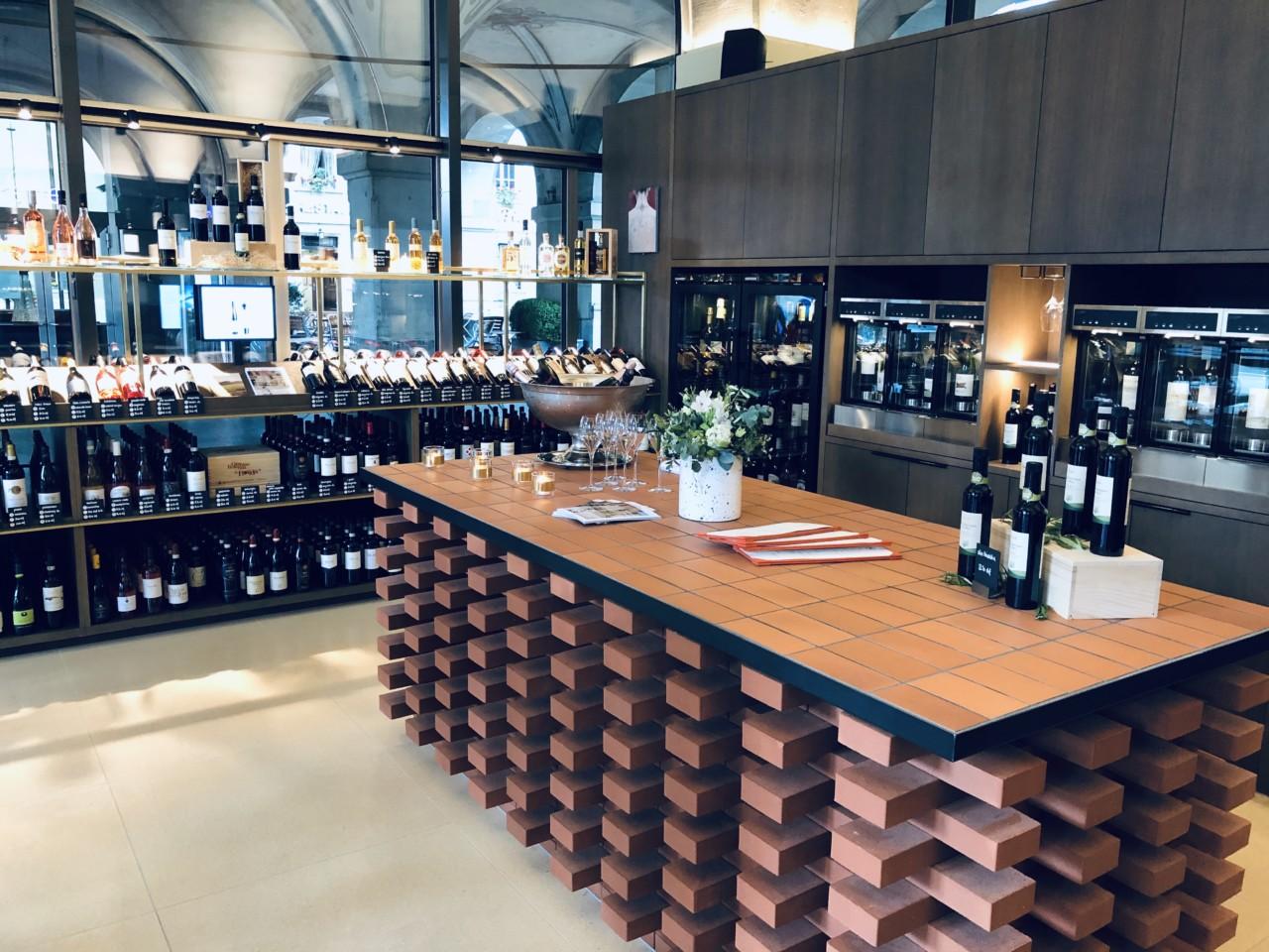 Ein Blick in die exquisit ausgestattete Weinbar - Foto: Lunchgate/Daniel