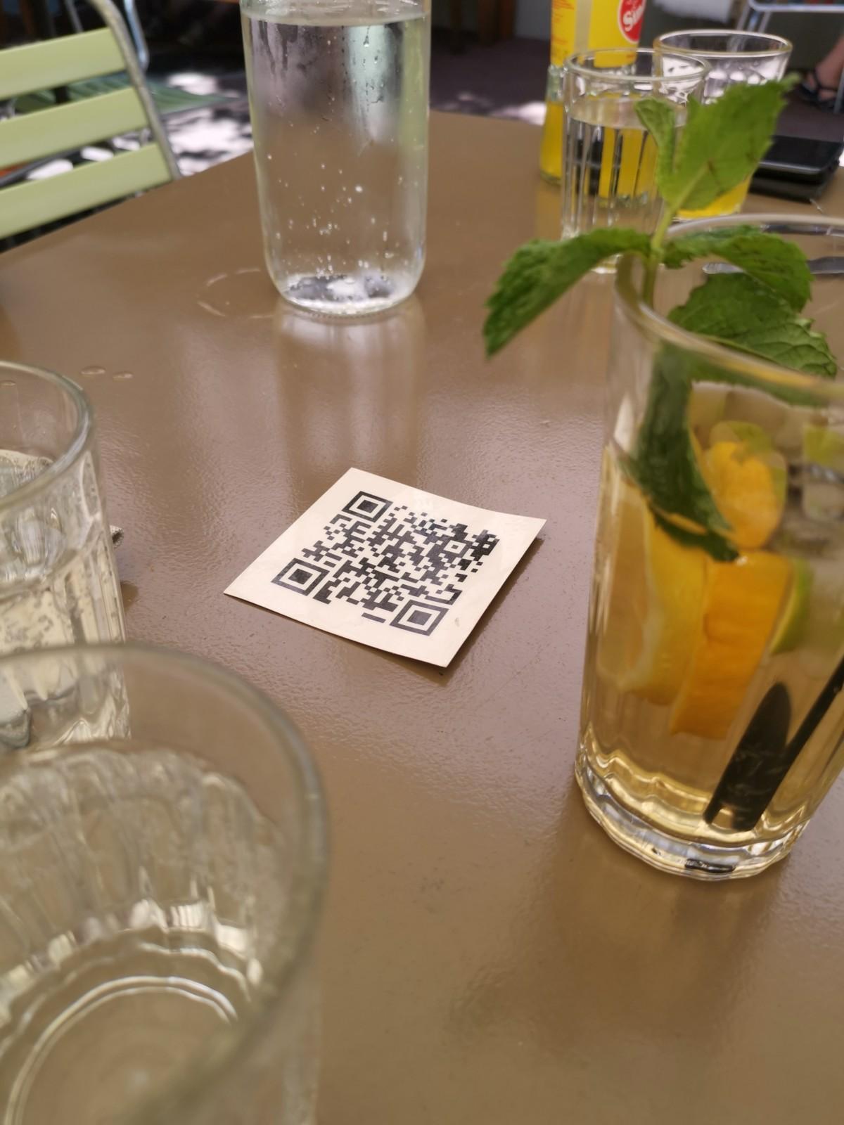 QR statt Papier und Viren. Foto: Lunchgate/Max