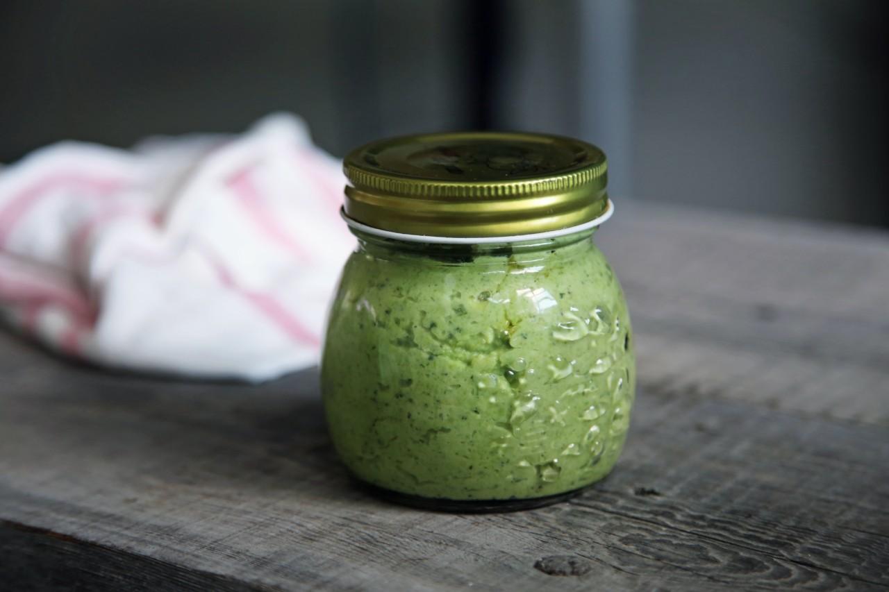 Die zwei leckeren Ps: Zum Pesto gehört natürlich auch noch Pasta. Oder Pane. Eure Wahl! Foto: unsplash.com