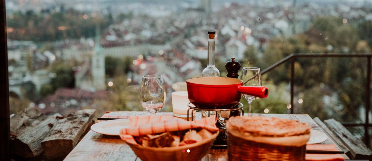 Wunderbarer Ausblick von der Fondue Veranda, Foto: Restaurant Rosengarten