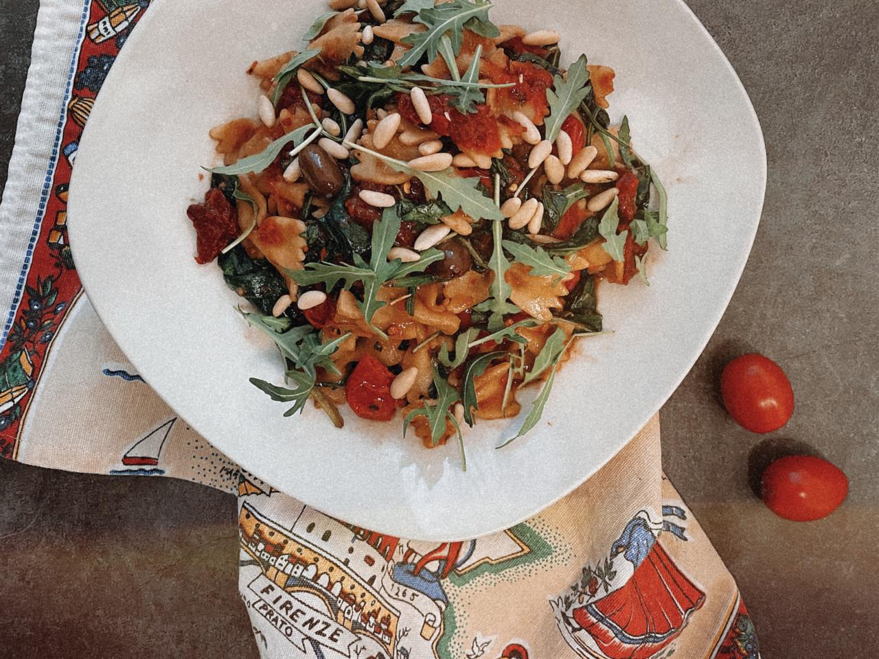 In diesem Salat sind wohl alle Formen von Tomaten, die es gibt. Foto: Lunchgate/Selina