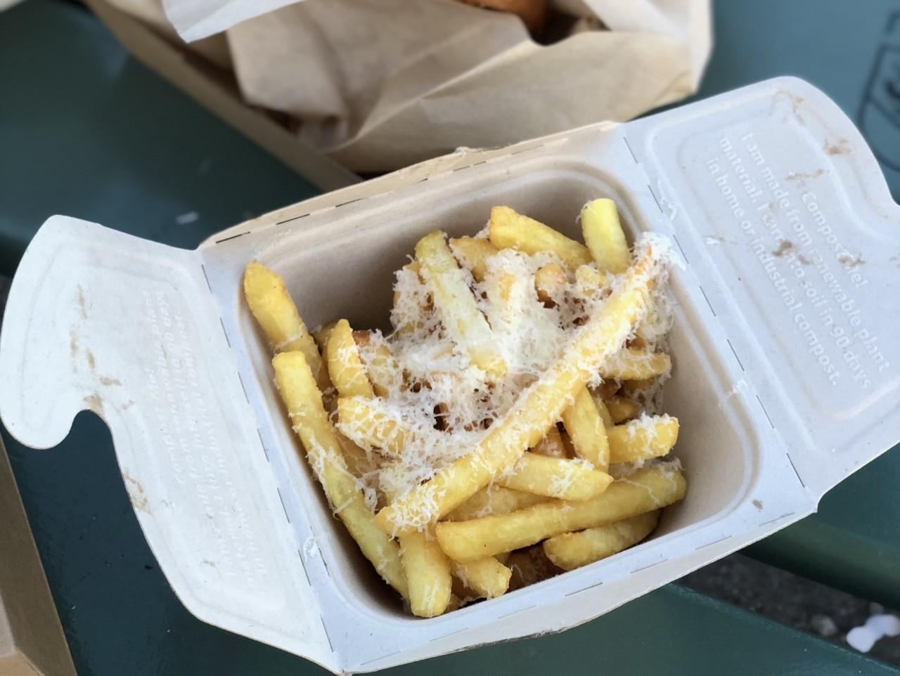 Berner-Fries mit Parmesano Reggiano - pricy, aber knusprig und würzig.  Foto: Lunchgate/Daniel