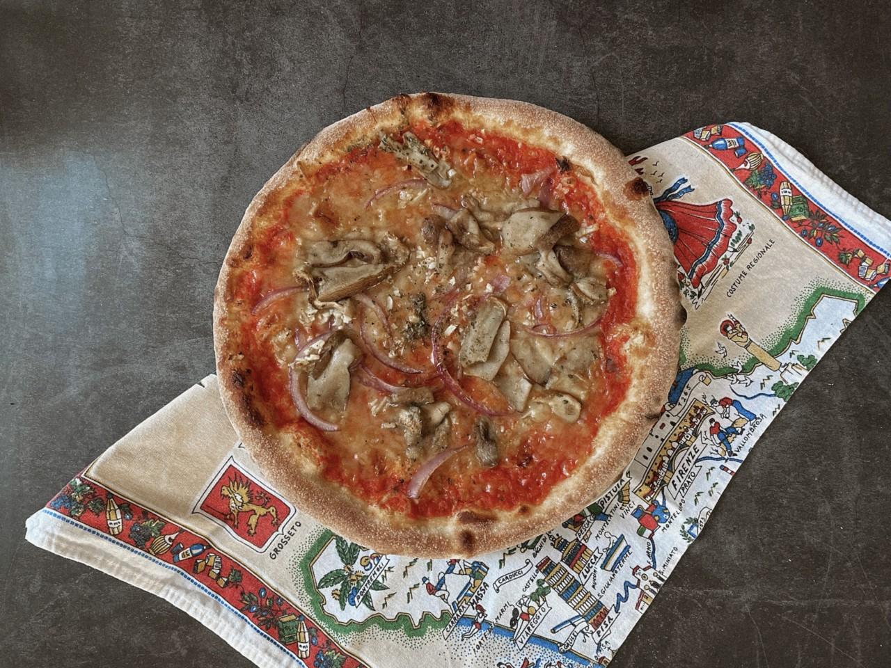 So sollte eine Pizza aussehen - nicht zu überladen und mit knusprigem Rand! Foto: Lunchgate/Selina